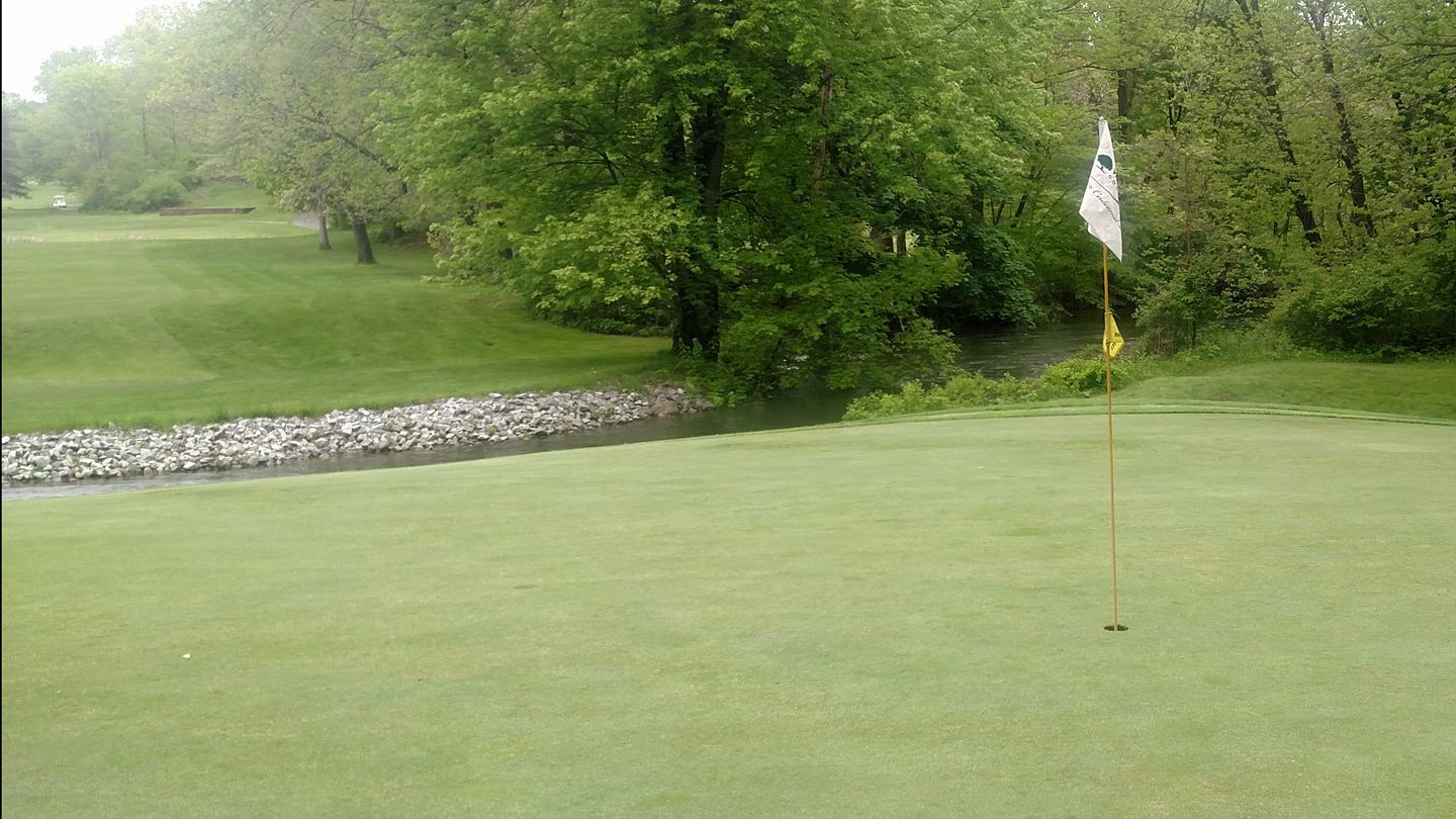green on the 5th hole overlooking the Wallkill River.